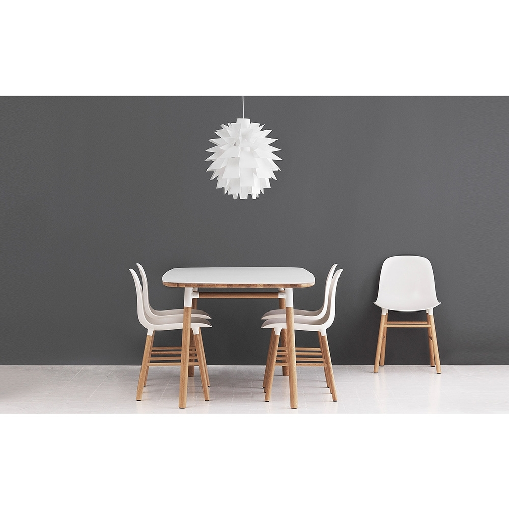 normann copenhagen form tisch quadratisch nunido. Black Bedroom Furniture Sets. Home Design Ideas