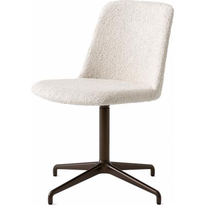 &tradition - Rely HW13 Gepolsteter Stuhl mit Schwenkfuß