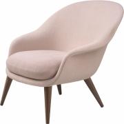 Gubi - Bat Lounge Chair Low back Wood Base