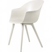 Gubi - Bat Dining Chair Cadeira moldura de plástico monocromo