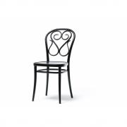 Chaise en bois 4 - TON