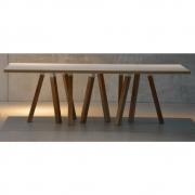 Jan Kurtz - Artwork Tisch mit 10 Beinen