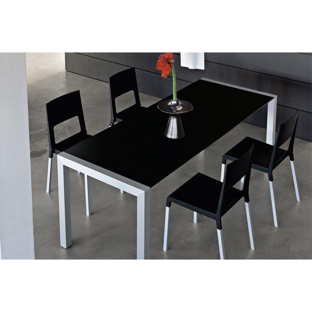kristalia sushi tisch nunido. Black Bedroom Furniture Sets. Home Design Ideas