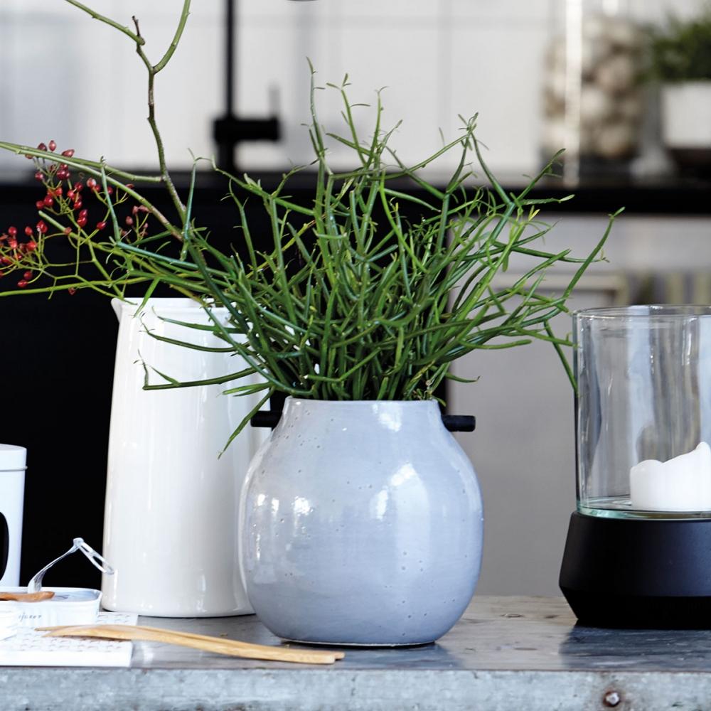 house doctor woody vase nunido. Black Bedroom Furniture Sets. Home Design Ideas