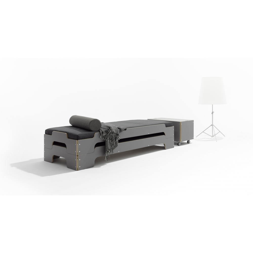 stapelliege set mit lattenrost rollbar und matratze nunido. Black Bedroom Furniture Sets. Home Design Ideas