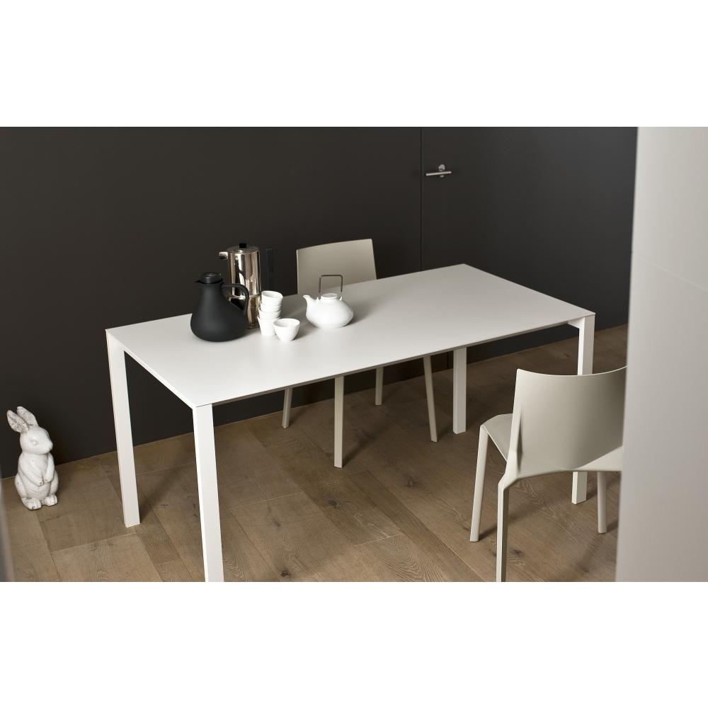 kristalia thin k tisch nunido. Black Bedroom Furniture Sets. Home Design Ideas