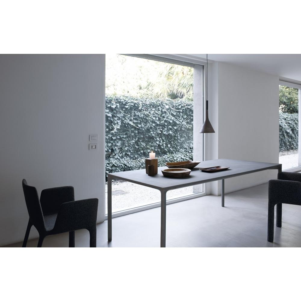kristalia boiacca tisch nunido. Black Bedroom Furniture Sets. Home Design Ideas