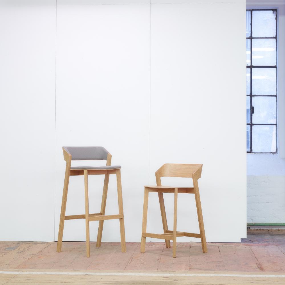 ton merano barhocker lackiert nunido. Black Bedroom Furniture Sets. Home Design Ideas