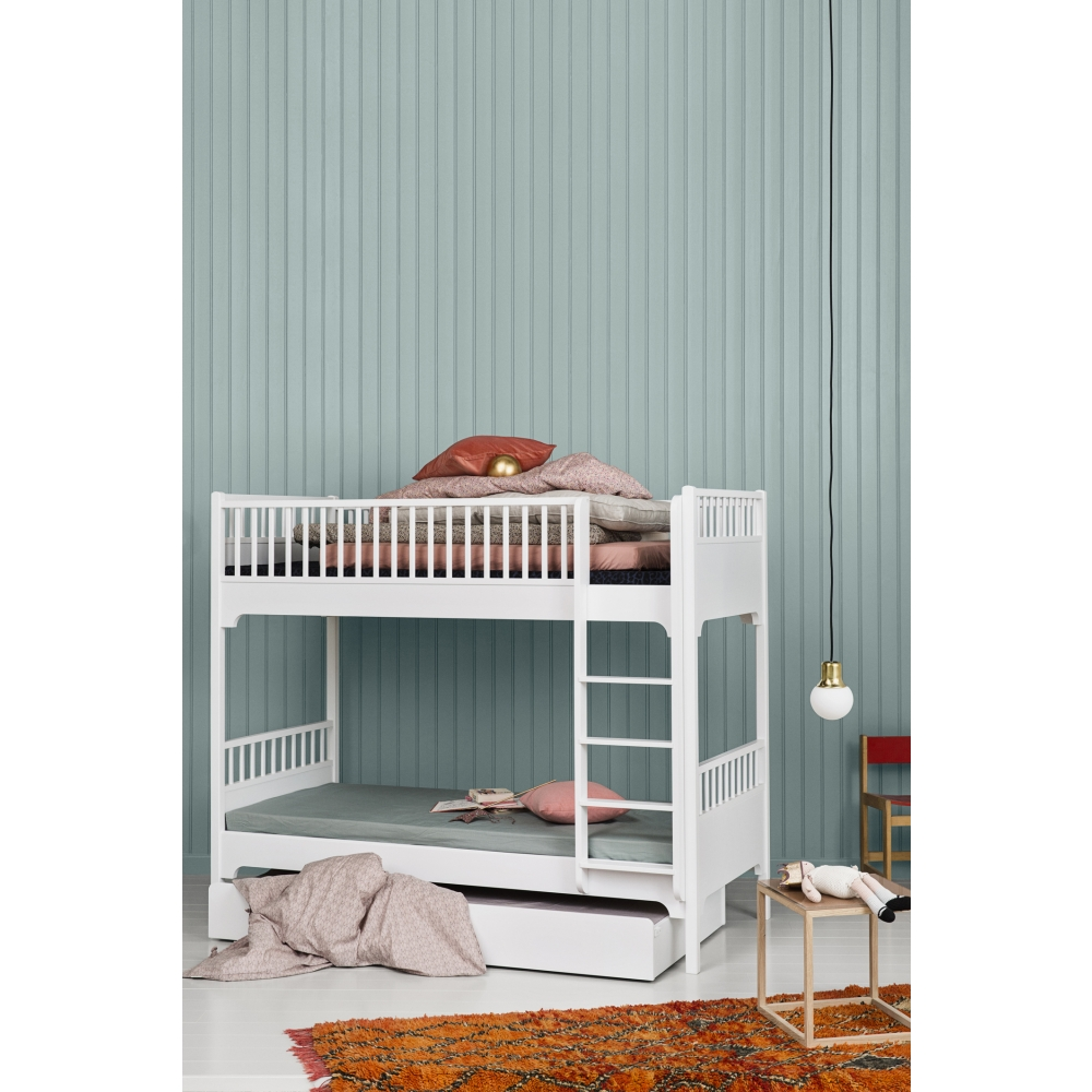 oliver furniture seaside bed drawer nunido. Black Bedroom Furniture Sets. Home Design Ideas